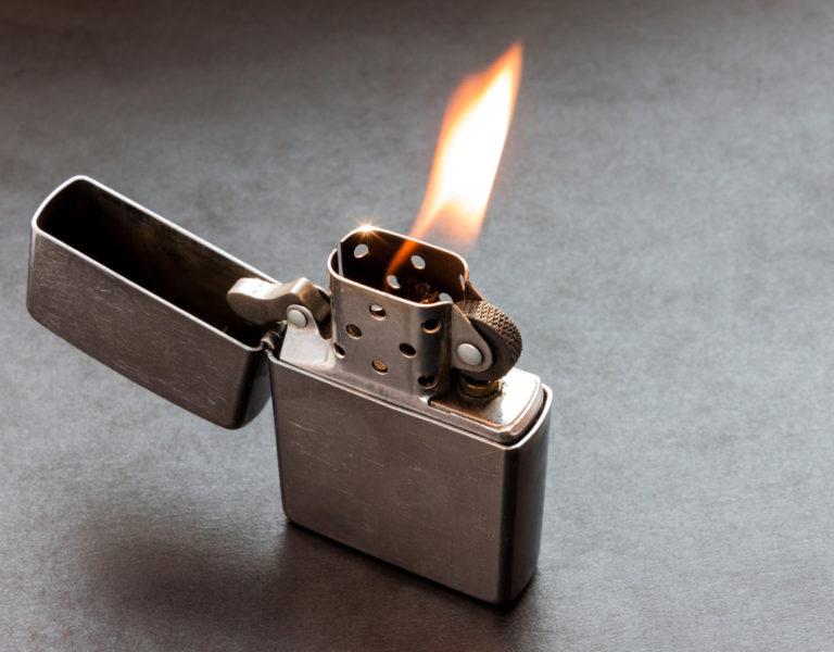 Заправка зажигалок топливом